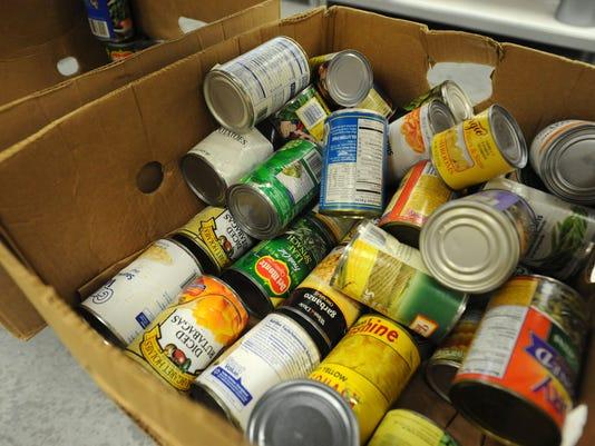 -Food Pantry3.jpg_20121110.jpg