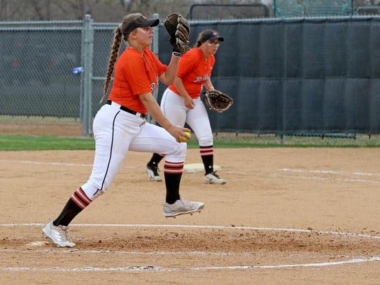 Burkburnett's Jocelyn Bright pitches against Graham
