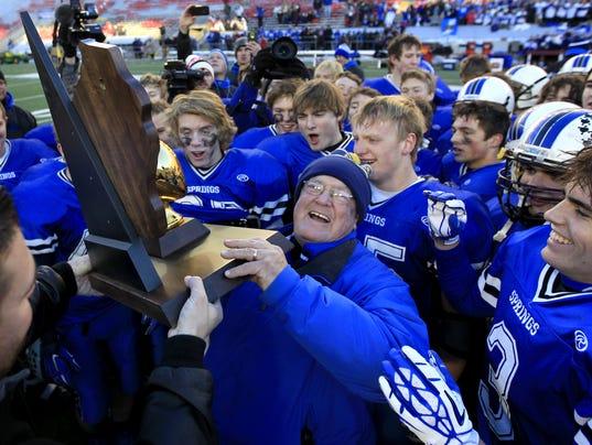 635756972001662869-State-champions-2015