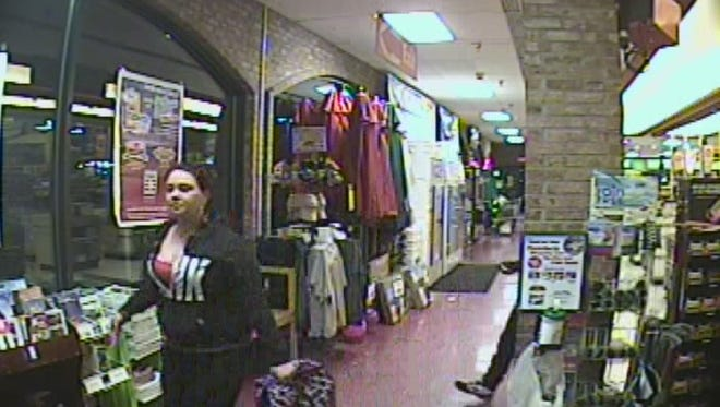 The South Burlington Police Department is looking for assistance in identifying two suspects in a retail theft from Price Chopper on Hinesburg Road.  Anyone with any information is please asked to call the South Burlington Police Department at 802-846-4111.