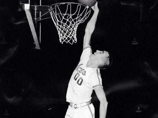 High-flying Harold Cox is headed to the Indiana Basketball Hall of Fame