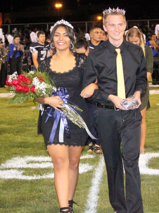 636401352741826570-0905homecoming.jpg