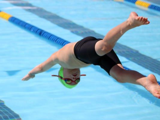 MTN0803 JOSwimming