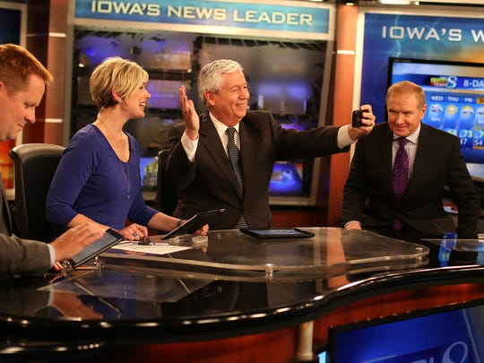 Longtime KCCI news anchorman Kevin Cooney takes a selfie