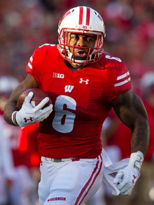 Wisconsin running back Corey Clement scored on runs of 2, 4 and 2 yards Saturday against Illinois at Camp Randall Stadium.