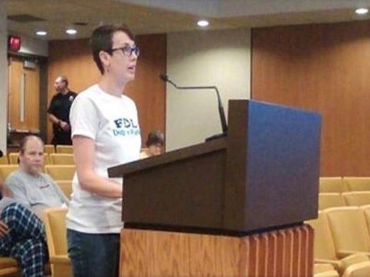 Misty Gedlinske addresses the Fond du Lac City Council