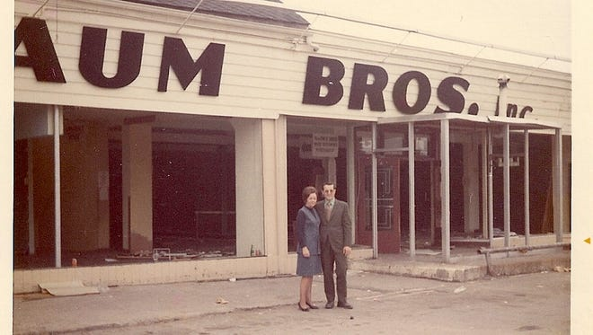 Naum Brothers was a catalog store that started in Greece and later grew to include 11 stores.