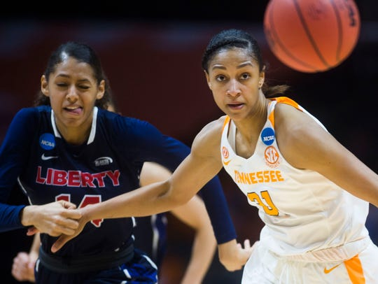 Tennessee's Jaime Nared (31) keeps her eyes on the
