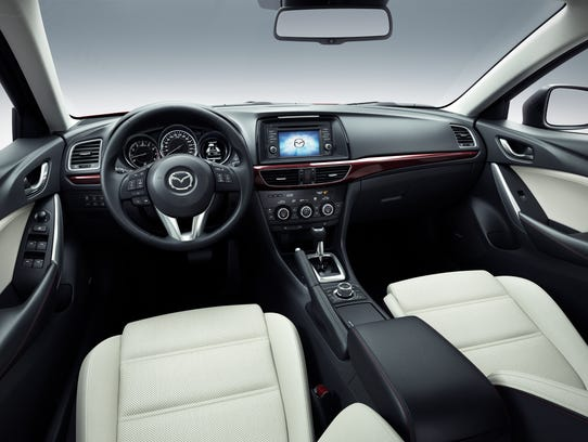 Mazda6_CUT012_HIGH_SDN_Interior