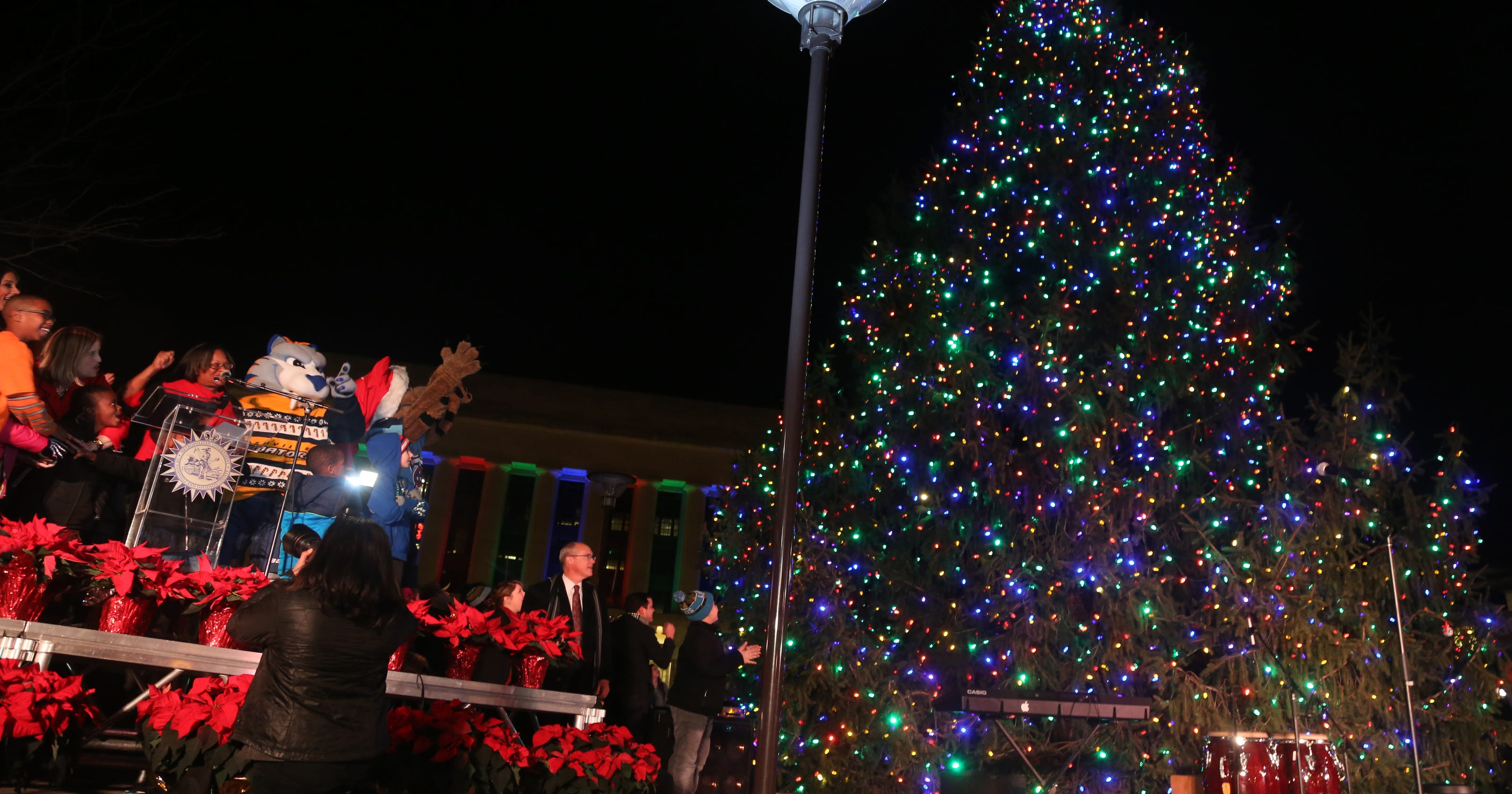Nashville S Christmas Tree Lighting Includes Special Story