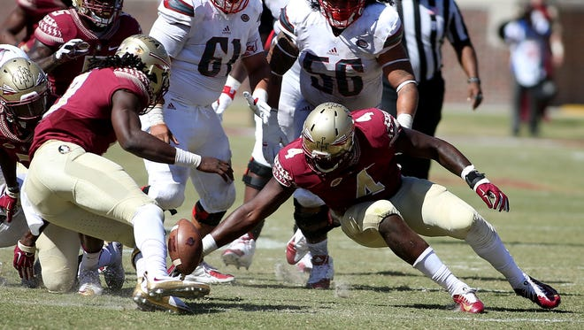 The Florida State defense registered five sack against the Louisville Cardinals.