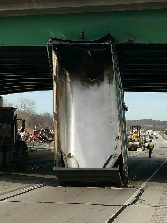 636479914623110686-Dump-Truck.jpg