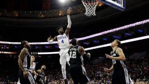 The 76ers traded center Nerlens Noel (4) to the Dallas Mavericks on Thursday.
