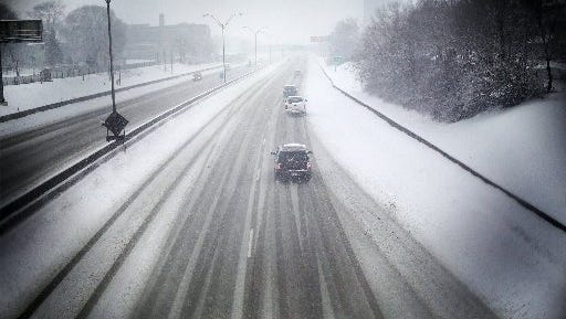 The Lodge Freeway in Detroit on Saturday, Feb. 1, 2014. Between 3 and 7 inches of snow could accumulate in metro Detroit on Saturday, according to Rachel Kulik, a meteorologist at the National Weather Service in White Lake Township.