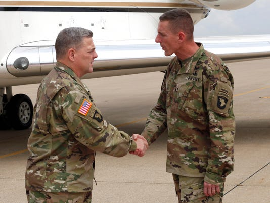 Army's top general visits 101st