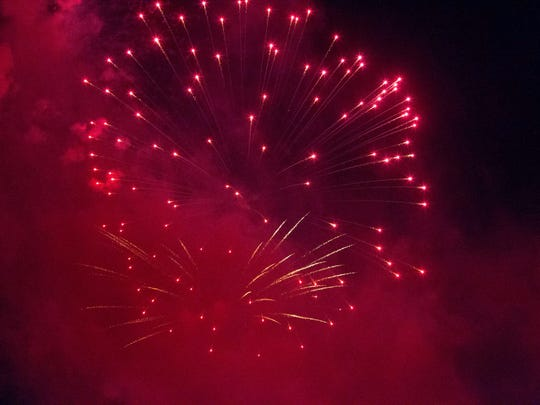 Red (strontium carbonate) fireworks in Ridgewood, 7/4/2017