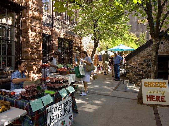 0802_farmers market_02.jpg