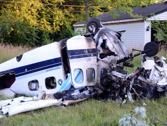 636654727411737526-plane-crash1.jpg
