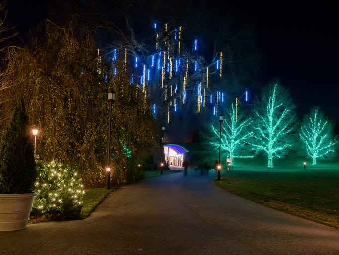 longwood gardens lights up holidays