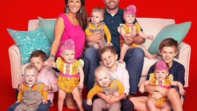 """Promotional material for the third season of """"Sweet Home Sextuplets"""" is shown."""