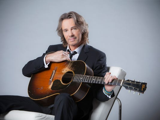 635850958015753857-suit-guitar-chair.jpg