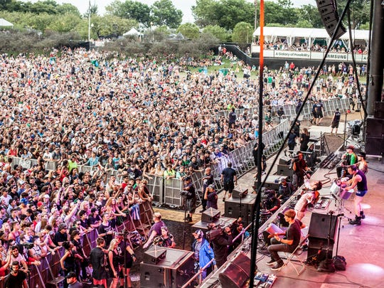 A crowd gathers for Jane's Addiction at Samsung, Lollapalooza's main stage