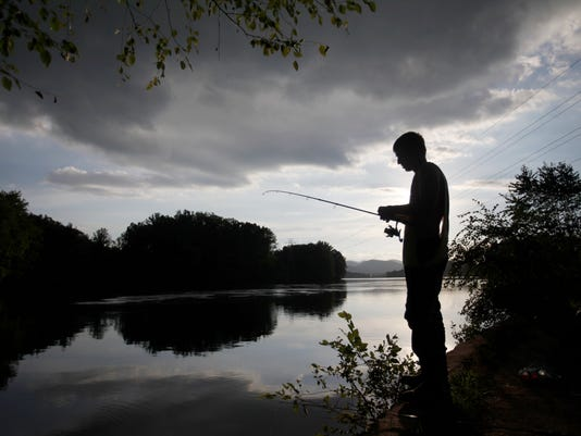 01-Fishing-LakeJulian-08252016-004.jpg