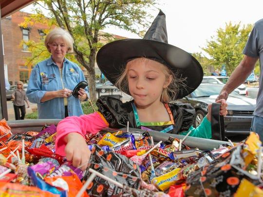 Merchants around Murfreesboro's Public Square welcomed