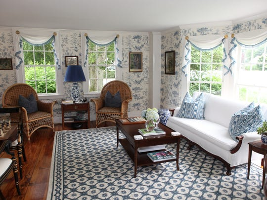 Interior of the Deacon Timothy Pratt Bed and breakfast