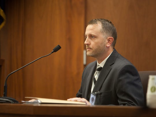 FBI agent Chris Andersen testifies during the preliminary