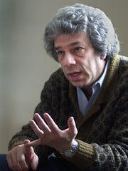 Lawyer Stanley Kahn