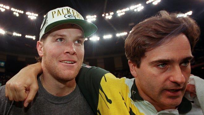 Brett Favre and Steve Mariucci in 1998.