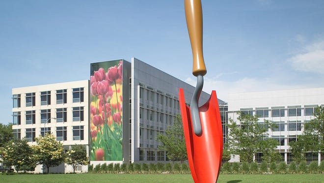 """Plantoir"" sculpture by Claes Oldenburg and Coosje van Bruggen at Meredith Corp. headquarters in Des Moines."