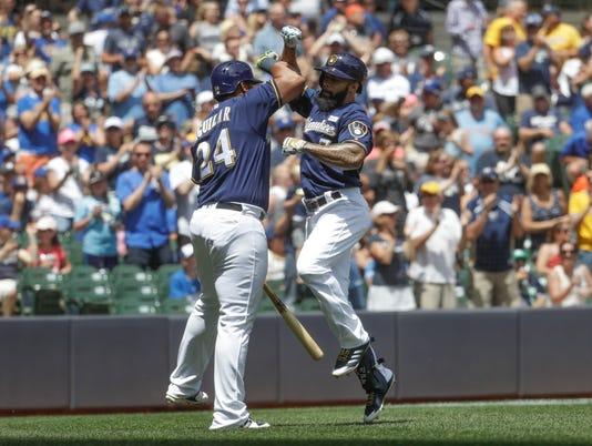 636321944900103071-AP-Dodgers-Brewers-Baseball.jpg