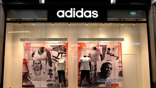 Adidas will continue its expansion plan in China by opening 3,000 new stores by 2020, the company said Friday.