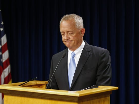 Hamilton County Prosecuting Attorney Joe Deters announces