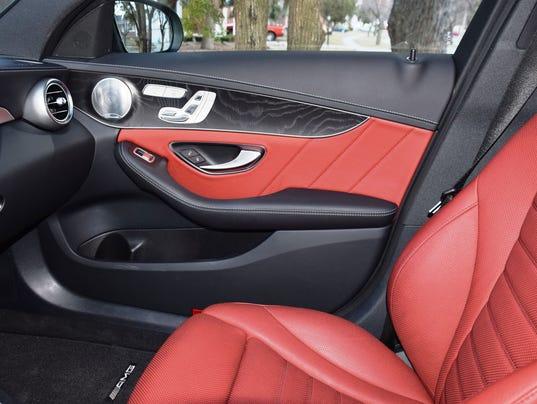 635666277796608303-15-MBenz-C400-pass-seat-and-door
