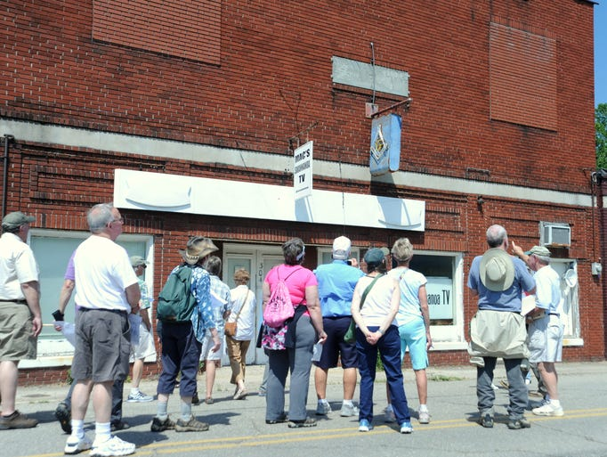 Swannanoa historian Bill Alexander leads a tour of