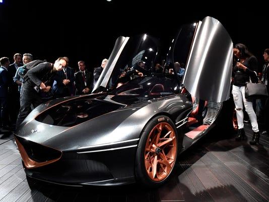 New York Auto Show Hyundais Genesis Shows A Soft And Sexy Sports Car - New car show