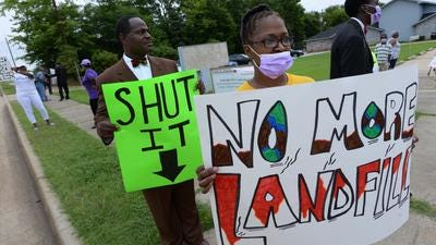Protesters complain about fires at a private landfill near Shreveport's Martin Luther King Jr. neighborhood.