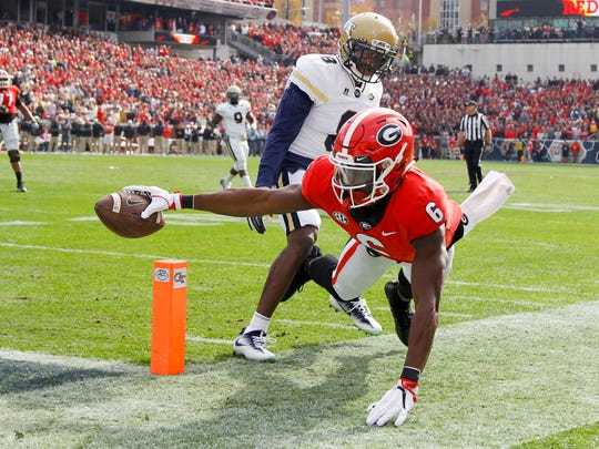 Georgia Bulldogs wide receiver Javon Wims  reaches
