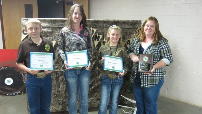Alex Singer, Grace Myers and Bryanna Bradshaw were named Otero County 4-H outstanding 4-H members of the year.  Adult volunteer leader, Tommie Sue Jensen, was recognized with the 2016 outstanding 4-H leader award.