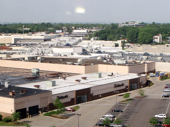 A view of Kenwood Towne Centre from the Kenwood Collection