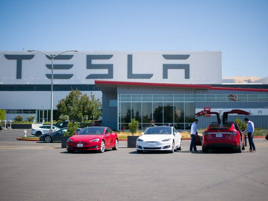 Analyst: Tesla stock could hit $10 in worst-case scenario