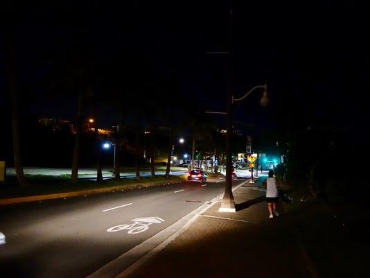 636270246573257128-Tumon-streetlights-6-.jpg