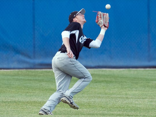 Lakeshore outfielder Caleb Dean (11) catches a pop