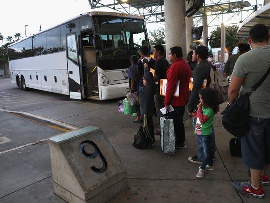 migra autobuses Border Patrol bus inmigración CBP