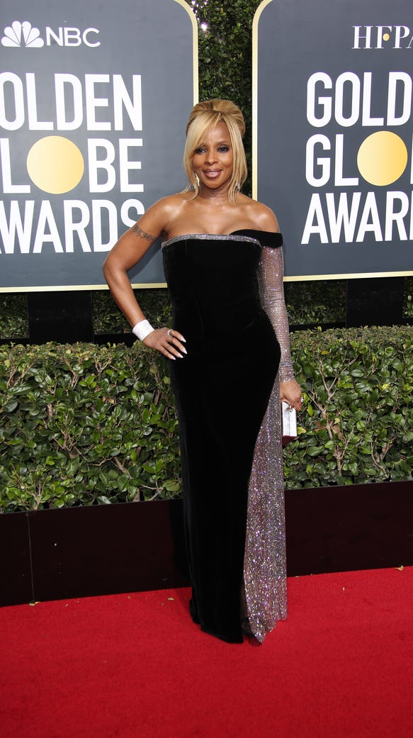 Mary J. Blige, looking fine, on the Golden Globe red
