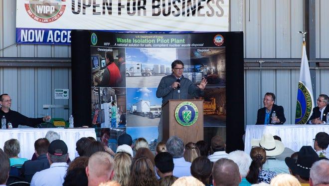 Secretary of Energy Rick Perry addresses WIPP employees.