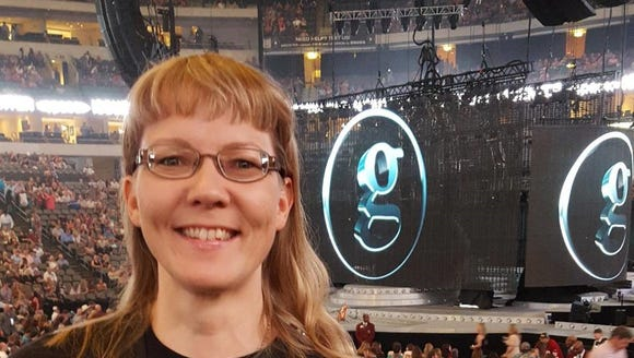 Tiina Pukki at a Garth Brooks concert in Dallas in